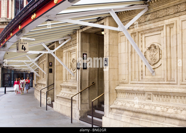 Venue doors stock photos venue doors stock images alamy for Door 12 royal albert hall
