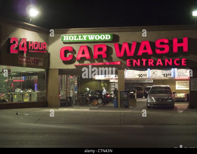 Hour Hand Car Wash In Brooklyn