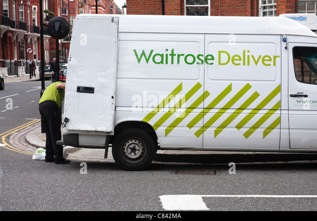 Delivery Driver Packing Van Stock Photos & Delivery Driver Packing ...
