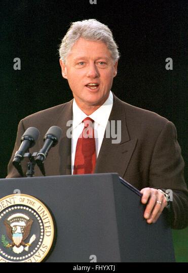 United President Bill Clinton Makes Stock Photos Amp United