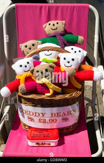 Honesty money box stock photos honesty money box stock images homemade woollen teddy bears for sale with honesty money box cornwall england uk sciox Images