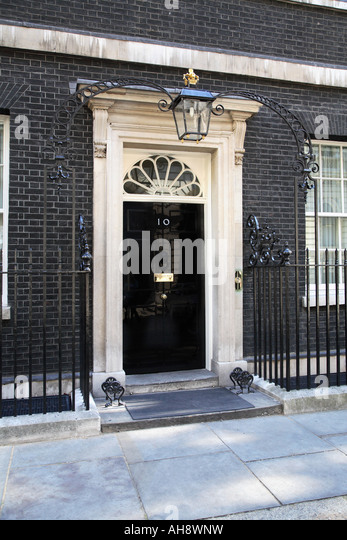 No 10 downing street stock photos no 10 downing street for Front door 10 downing street