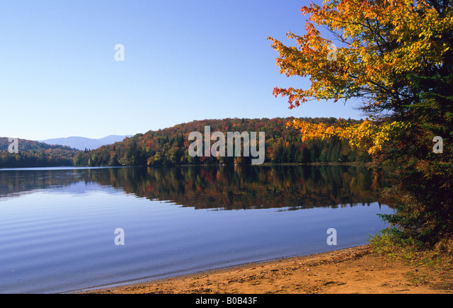 Tremblant national park stock photos tremblant national for Lac miroir mont tremblant