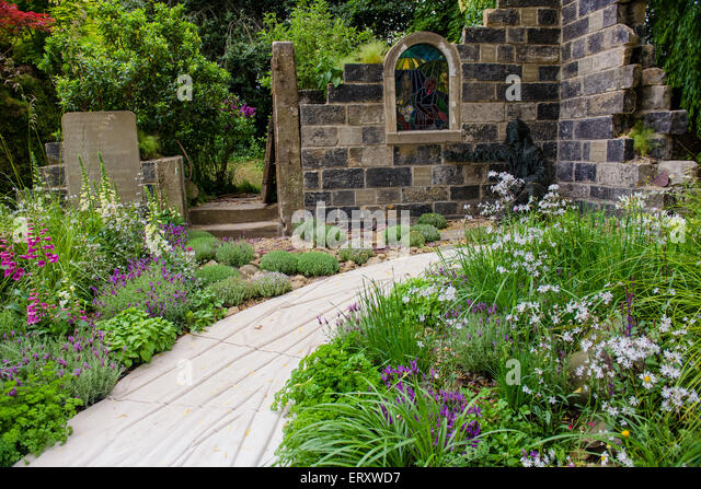 The Evaders Garden By Chorley Council, Silver Gilt, Chelsea Flower Show  2015   Stock