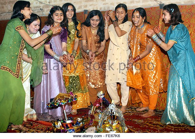 Mehndi Ceremony Guests : Mehndi pakistan stock photos
