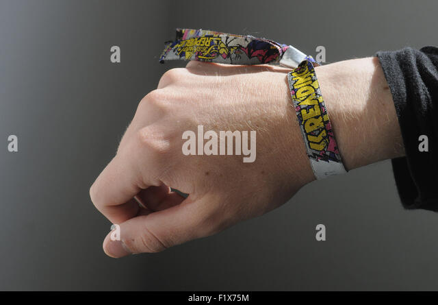 Holi festival armband 2015