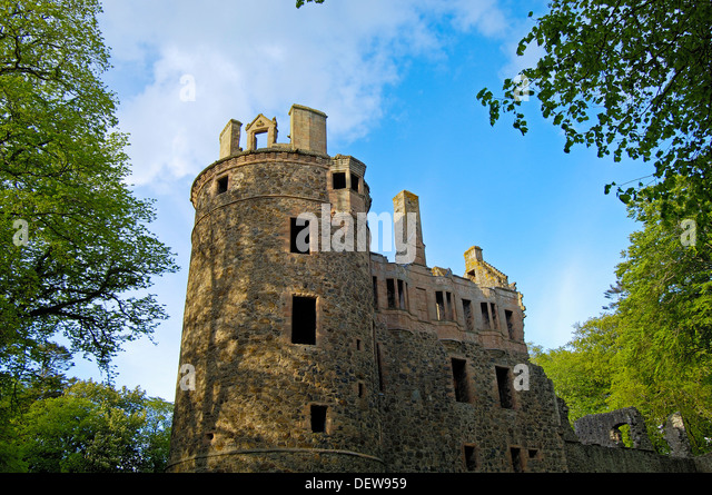 Huntly castle stock photos huntly castle stock images for Scottish highland castle house plans