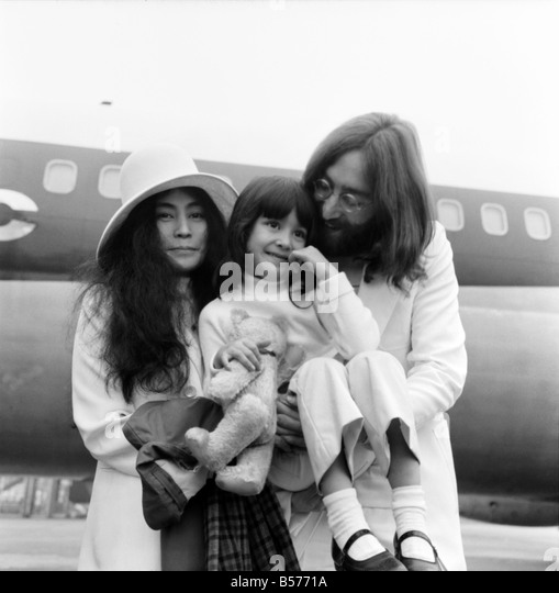 John lennon yoko ono london stock photos amp john lennon yoko ono london