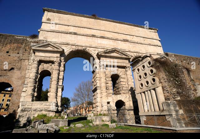 Roman gate stock photos roman gate stock images alamy - Rome porta maggiore ...