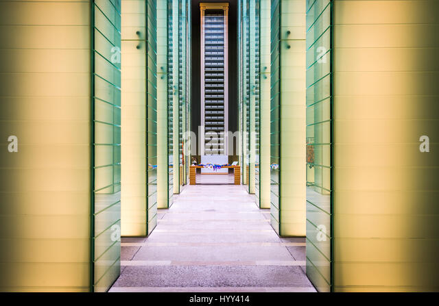 Exhibition Hall Japan Stock Photos & Exhibition Hall Japan Stock Images -...