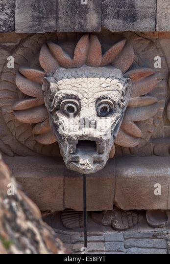 Head Of Quetzalcoatl Stock Photos & Head Of Quetzalcoatl ...