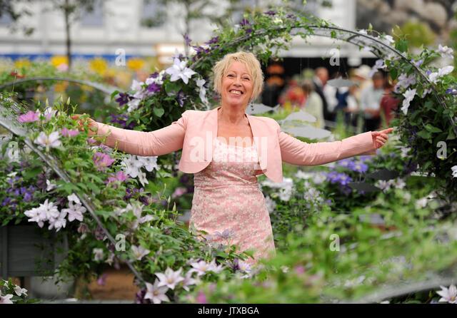 Carol klein stock photos carol klein stock images alamy for Gardening programmes on tv