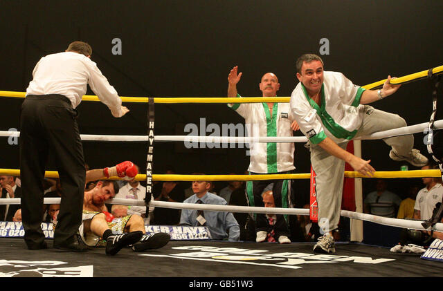 Boxing ring and canvas stock photos boxing ring and - Altrincham leisure centre swimming pool ...