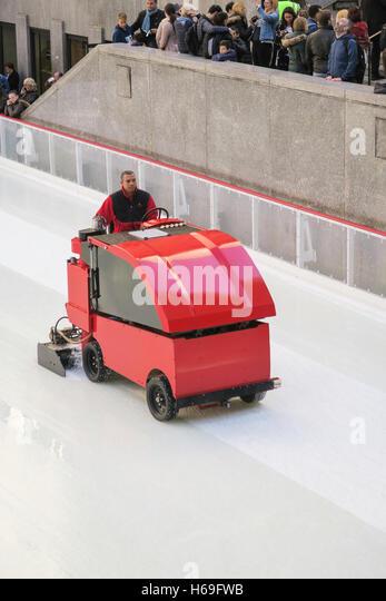 rink smoothing machine