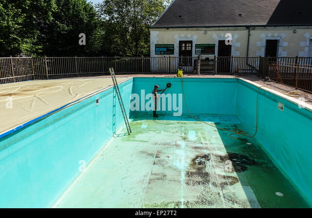 Dirty swimming pool stock photos dirty swimming pool for Pressure clean pools
