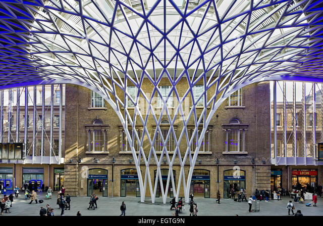 Kings Cross Station concourse and roof canopy - Stock Image & Roof Canopy Stock Photos u0026 Roof Canopy Stock Images - Alamy memphite.com