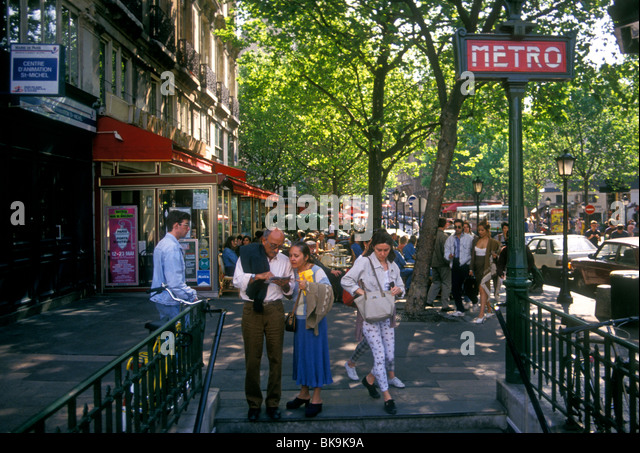 Asking directions france stock photos asking directions - Saint michel paris metro ...