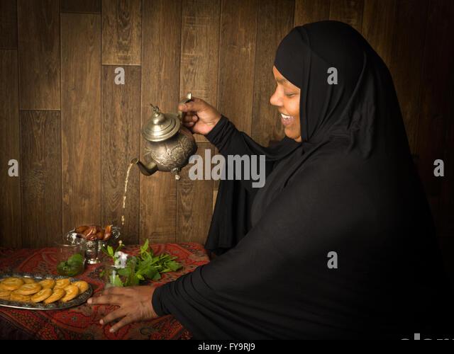 tea muslim The muslim diet  khadija j asad  most americans are aware that muslims have certain dietary restrictions,  use herbal teas instead of coffee and tea.
