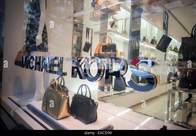 Michael kors stock photos michael kors stock images alamy for Michael kors rockefeller center