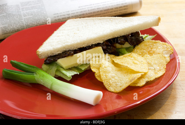 how to make a cheese and pickle sandwich