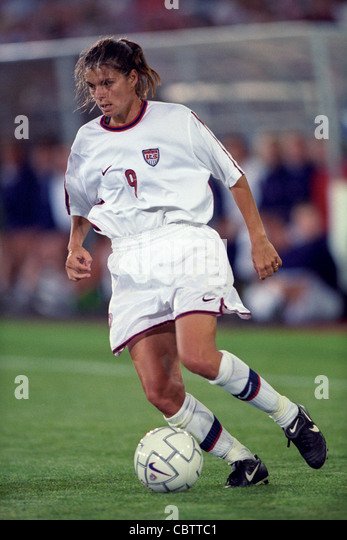mia hamm usa competing at the 1998 goodwilll games stock image