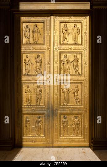 Bronze doors of the Supreme Court. Washington D.C. - Stock Image & Bronze Doors Stock Photos \u0026 Bronze Doors Stock Images - Alamy Pezcame.Com