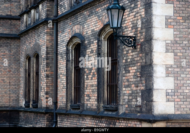 How Old Is Highbury Corner Magistrates Court Building