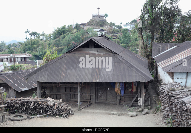 Grass roofs stock photos grass roofs stock images alamy for Tribal house