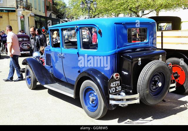 Vehicle vintage classic citroen stock photos vehicle for Garage fiat carcassonne