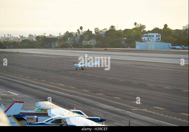 singles in santa monica The atlantic aviation fbo is generally used by jet aircraft but often has space available for a few singles and twins santa monica air center 3021 airport avenue.