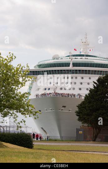 Cruise Ship Independence Seas Southampton Stock Photos Cruise - Southampton cruise ship parking