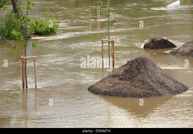 natural disaster floods Natural disasters refer to environmental phenomenon that are destructive and occur naturally natural disasters include floods, volcanic activity, hurricanes.