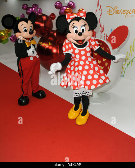disneyland paris mickey mouse stock photos disneyland paris mickey mouse stock images alamy. Black Bedroom Furniture Sets. Home Design Ideas