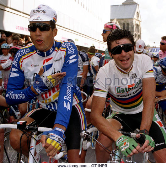 Miguel Induráin - Modo Pro Cyclist - Carrera Profesional Spanish-miguel-indurain-l-jokes-with-italian-gianni-bugno-prior-the-gt1np5
