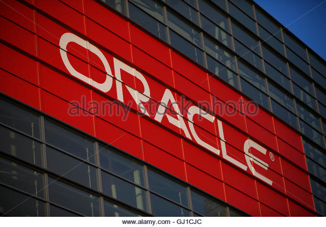 larry ellison yale speech Claim: while delivering the commencement speech at yale university in 2000, oracle ceo larry ellison said.