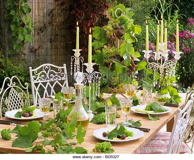 Vitis table wine vitis vinifera stock photos vitis table for Table and vine