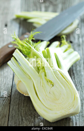 how to cut fennel fronds