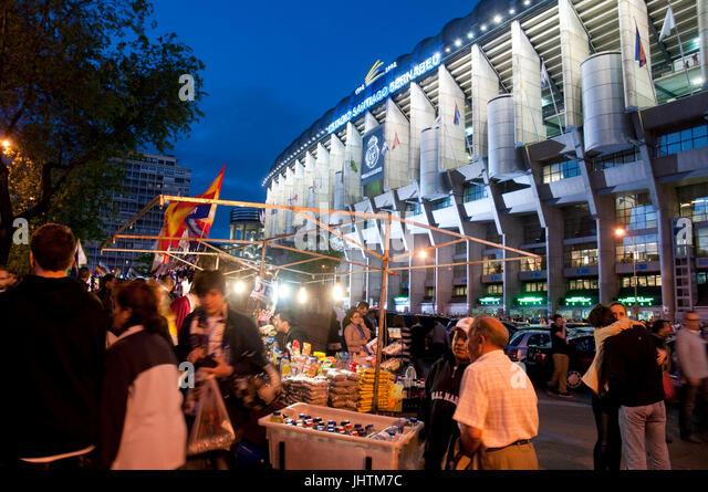 Street vending around the Santiago Bernabeu stadium before the Real Madrid-Barcelona football match. Madrid, Spain. - Stock Image