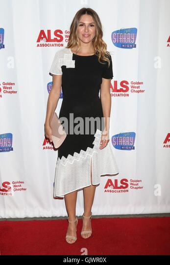 "Элизабет Хэндриксон - 3rd Annual ""One Starry Night"" ALS Benefit Pasadena-ca-15th-aug-2016-elizabeth-hendrickson-at-arrivals-for-one-gjwr0x"