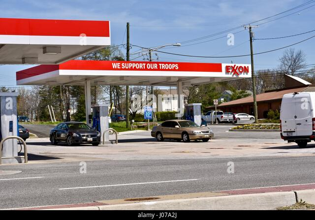 our gas station Parolee shoots 3 at gas station, cousin at his home before shooting himself to  death, police say.