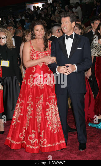 Keely Shaye Smith And Pierce Brosnan At The 77th Annual Academy Awards In Los Angeles On
