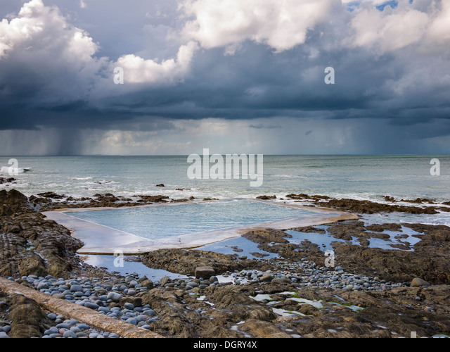 Outdoor Pool Uk Stock Photos Outdoor Pool Uk Stock Images Alamy