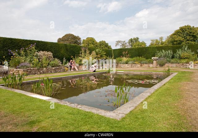 Hever castle in kent stock photos hever castle in kent for Garden pond kent