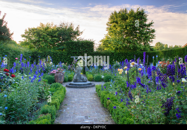 Cambremer stock photos cambremer stock images alamy for Jardin d amour wine