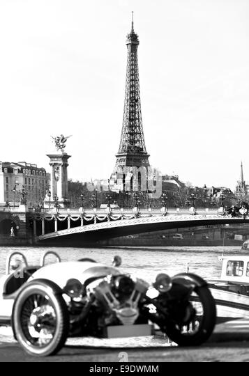 Car Parking Near Eiffel Tower Paris