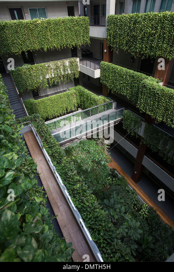 Vertical garden balcony stock photos vertical garden for Balcony vertical garden