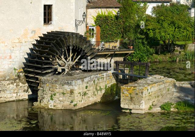 water-wheel-angles-sur-langlin-vienne-fr