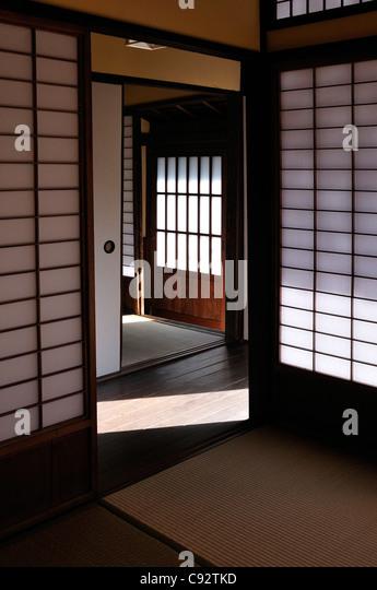 Japanese Screen Door Stock Photos & Japanese Screen Door Stock ...