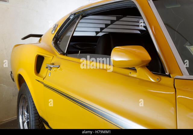 Fastback stock photos fastback stock images alamy - Garage mercedes bressuire ...