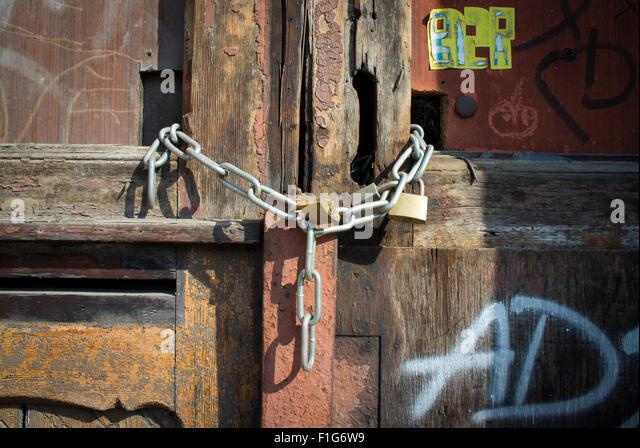 An old door padlocked. - Stock Image & Door Padlocked Stock Photos \u0026 Door Padlocked Stock Images - Alamy Pezcame.Com